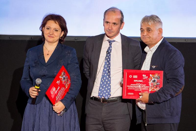 Poza 2 - Premiul 'Mobile for Good'